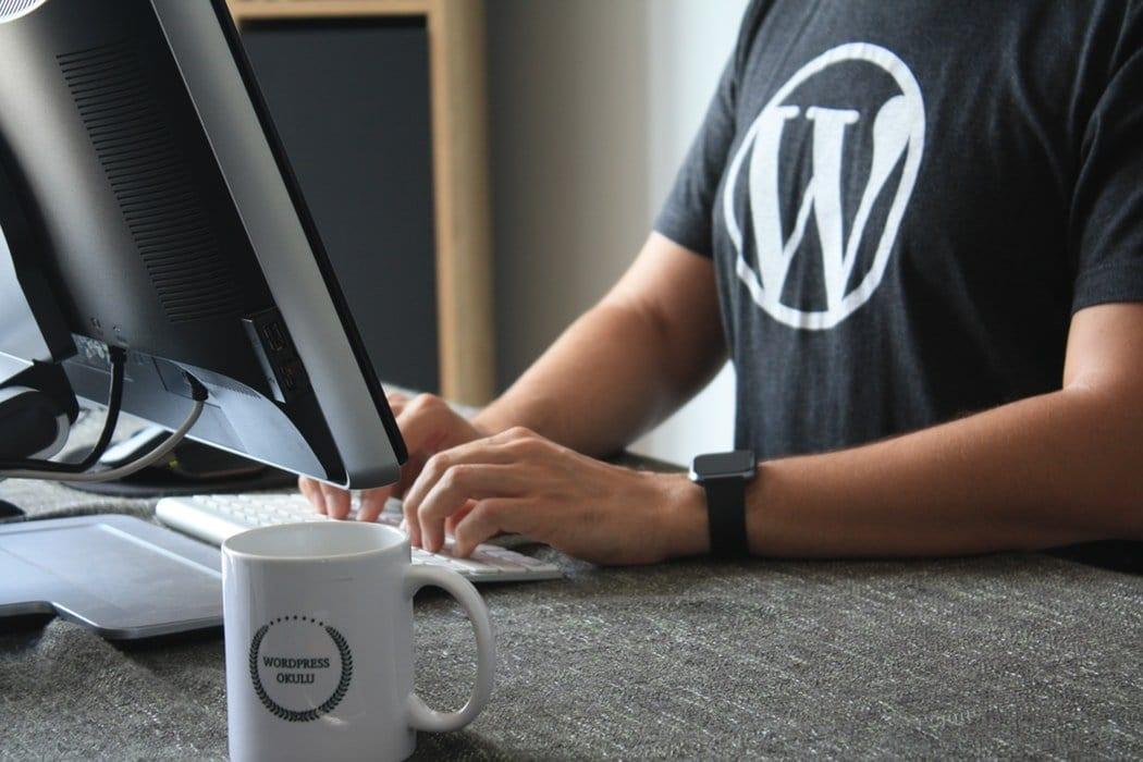 Wordpress plugins to make website seo friendly